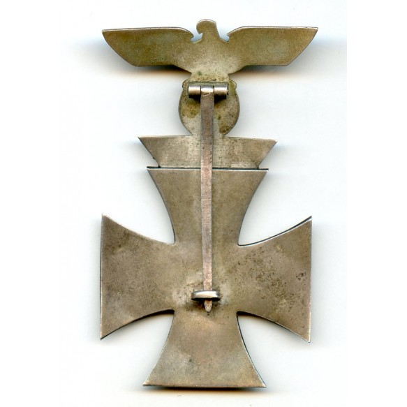 Iron cross 1st class combination clasp by W. Deumer