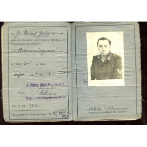 Luftwaffe soldbuch to Stabsgefr. M. Gschossmann, Flak badge, ground assault badge,...