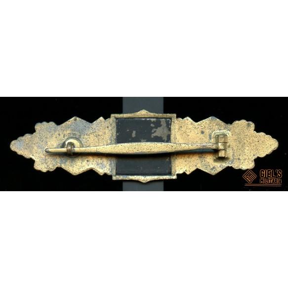 "Close combat clasp in gold by Funke & Brünninghaus ""F&BL"""