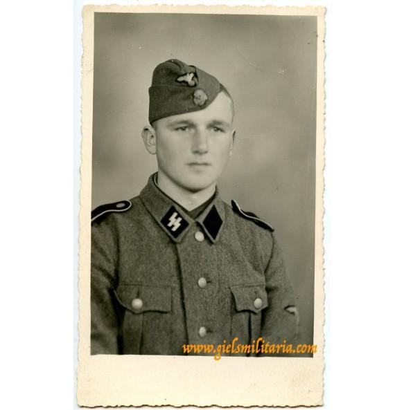 SS Portrait SS-Schütze, Belgium 1943