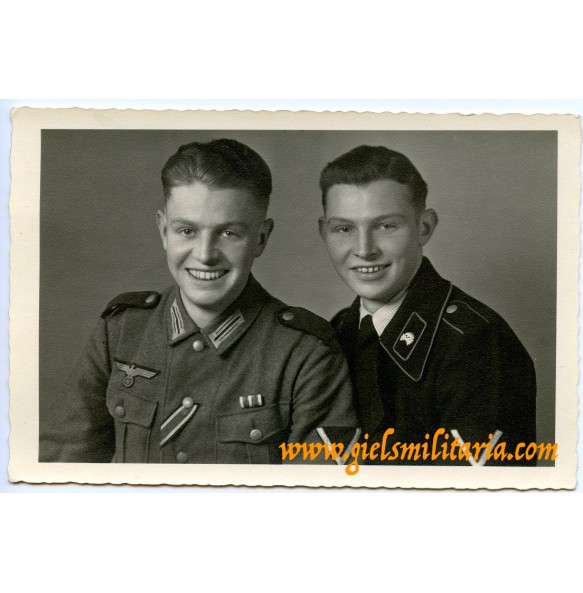 Portrait of 2 brothers, army with EK2 and panzer crew member