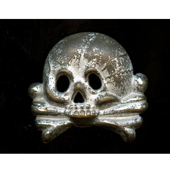 Early SS / traditional skull