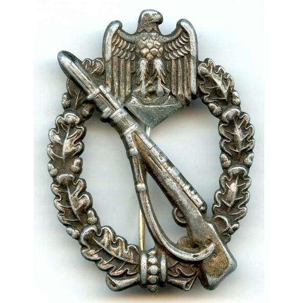 "Infantry assault badge in silver ""egghead variant"" denaz"