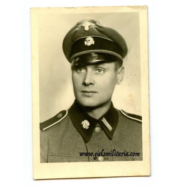 "SS soldbuch photo ""Totenkopf"""