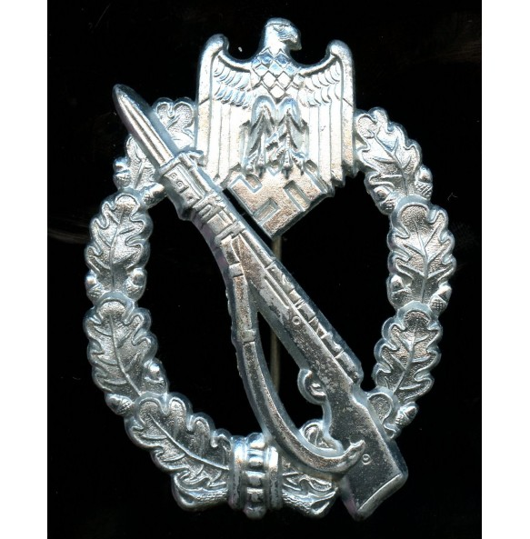 Infantry assault badge in silver by Berg & Nolte, MINT