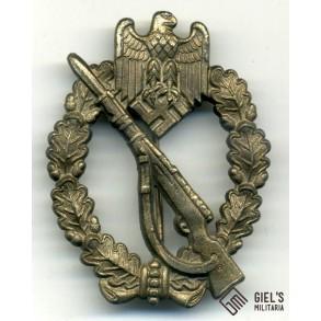 Infantry assault badge in bronze by Funcke & Brüninghaus