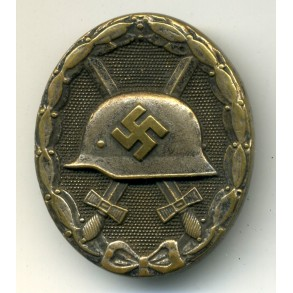 Woundbadge in silver by W. Deumer L/11