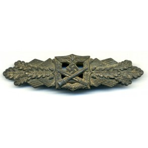 Close combat clasp in silver by F. Linden
