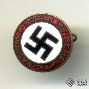 Party pin, early small variant