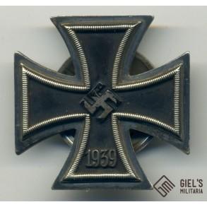 Iron cross 1st class by E.F. Wiedmann, screwback!!