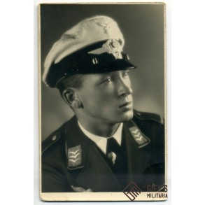 Portrait photo Luftwaffe feldwebel with white visor cap