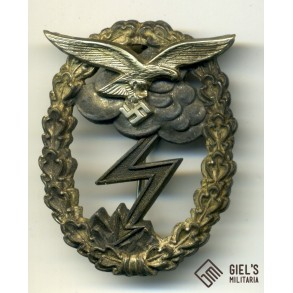 Luftwaffe ground assault badge by C.E. Juncker, Berlin