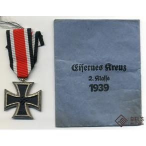 Iron cross 2nd class by Deschler & Sohn, München + package