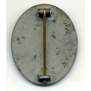 Wound Badge in Gold by E. Schmidthaussler