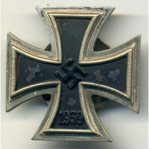 Iron Cross 1st class by C.E. Juncker. L/12, screwback
