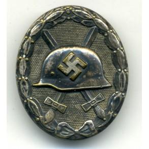 Wound badge in silver by Hauptmünzamt Wien