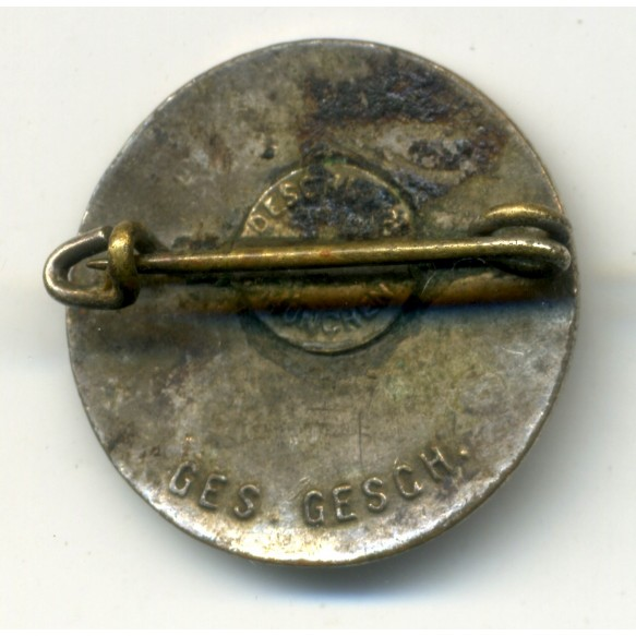 Party pin by Deschler & Sohn, early variant