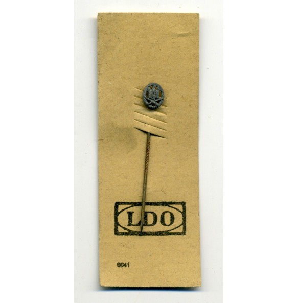 General Assault Badge 9 mm miniature on LDO cardboard