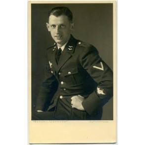 Portrait photo flak artillerie proficiency sleeve patch in wear