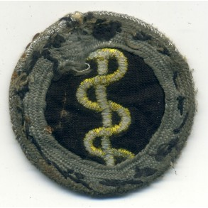 Army proficiency badge for medical personal with silver wire!