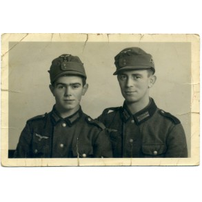 Portrait photo with two mountain troopers