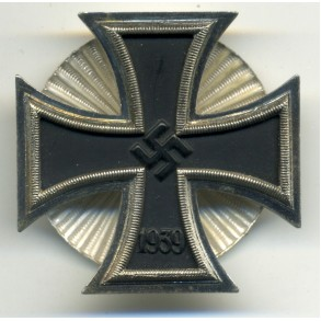 Iron Cross 1st class by W. Deumer, Schinkel screwback