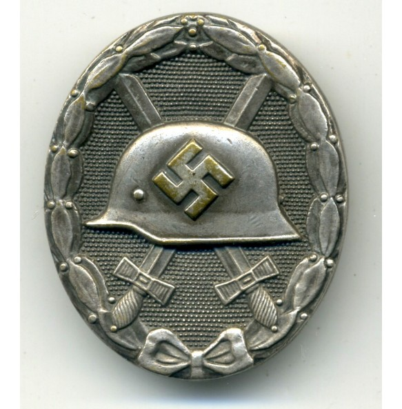Wound Badge in silver by Grossmann & Co