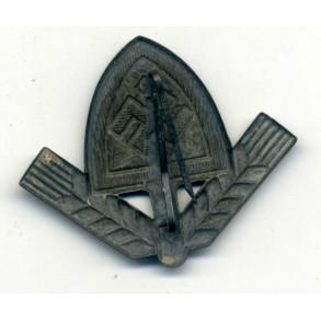 RAD cap badge by Berg & Nolte