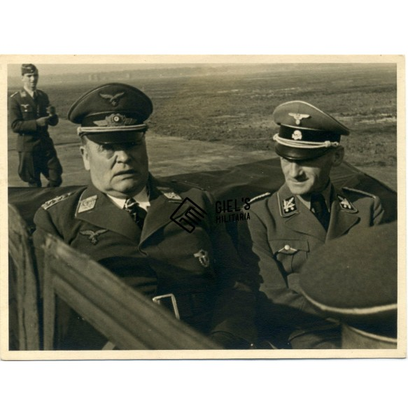 Private snapshot Luftwaffe field marshal Sperle with SS-Obergruppenführer