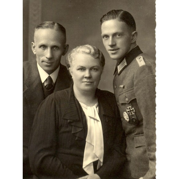 "3 postcards Army ""Panzerjäger"" officer with EK1"