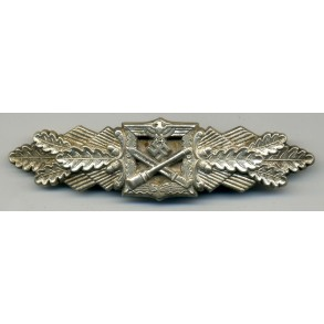 Close combat clasp in silver by Funcke & Brüninghaus