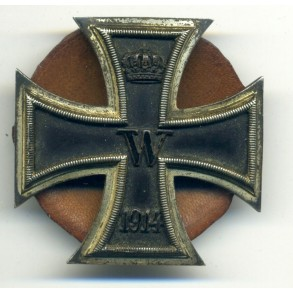 "WW1 Iron Cross 1st class by W. Deumer, screwback, ""schinkelform"""