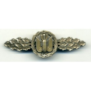 Luftwaffe bomber clasp in silver by unknown maker