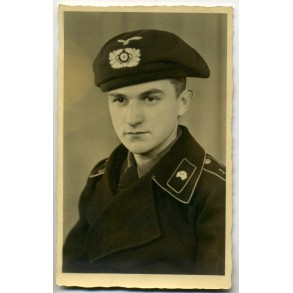 "Portrait panzer crew member ""Lehr"" with black panzer beret, May 1940"