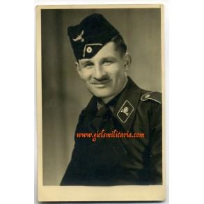 Portrait panzer crew member with Brunswick skull 1943