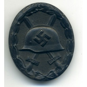 Wound badge in black by Aug. G. Tam
