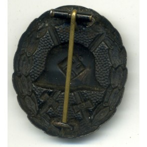 1st pattern wound badge in black by unknown maker