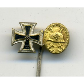 2 place miniature with wound badge in gold!