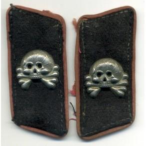 Pair of Panzer skull tabs
