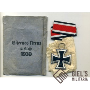Iron Cross 2nd class by G. Brehmer + package. MINT