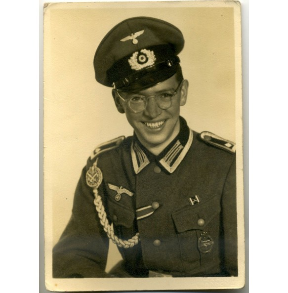 Portrait photo NCO with Panzer Assault Badge in wear